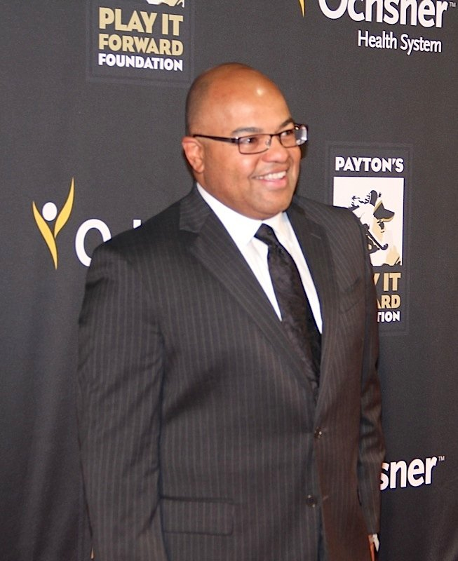 Mike Tirico: Mike Tirico Bio: Married, Controversy, Children, Net Worth