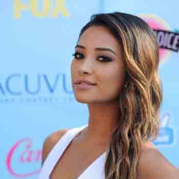 a23cf5e7e893b Shay Mitchell Bio - Net Worth