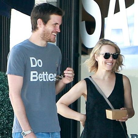 Who is Jamie Linden dating? Jamie Linden girlfriend, wife