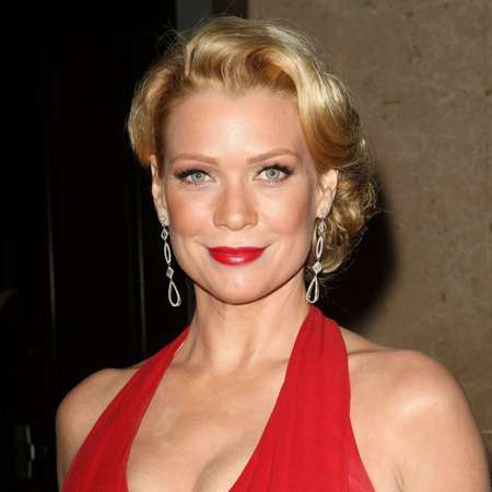 laurie holden feet