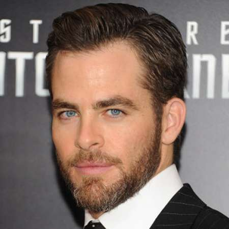 chris pine bio affair girlfriend salary net worth career