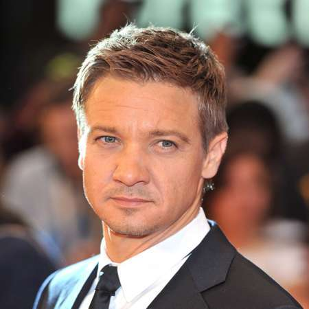 Jeremy Renner Height- married, affair, spouse, salary, net ...