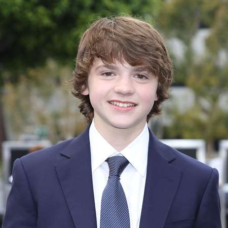 Joel Courtney Bio - affair, married, spouse, salary, net ...