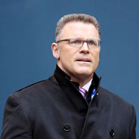 Howie Long Bio Highlights Son Now Age Wife Salary Net
