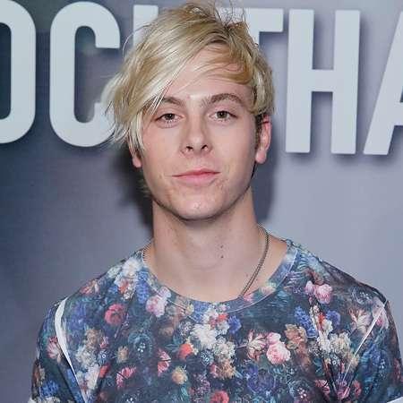 Ross lynch date of birth in Brisbane