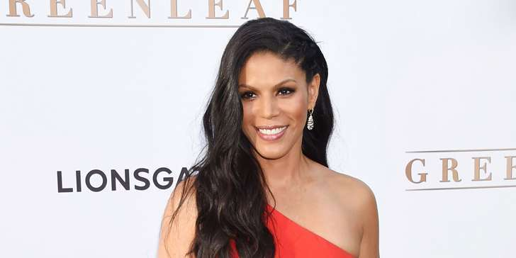 How is the personal  life of actress Merle Dandridge after marrying Christopher Johnston?
