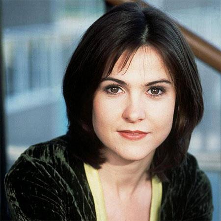 Gillian Kearney Bio