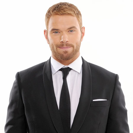 Kellan Lutz shows off his incredibly sculpted torso after gaining ...