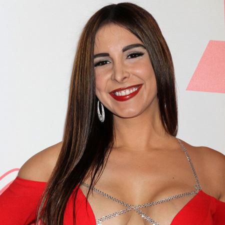 Angelica castro has a hot threesome - 3 5