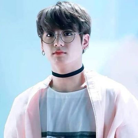 Jeon Jungkook, Age, Brother, Girlfriend, Brother, Net Worth