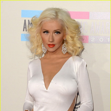 Christina Aguilera Age In Burlesque >> Christina Aguilera Bio - Career, Singer, Songs, Album, Awards, Net Worth, Salary, Partner ...