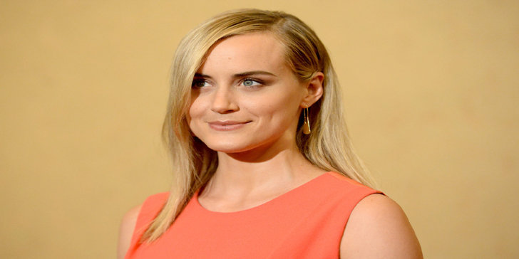 Taylor Schilling, denied the rumor of being in a relationship with her co-star