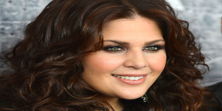 Hillary scott lady antebellum songs albums net worth for Lady antebellum miscarriage how far along