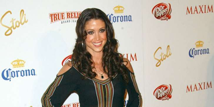 How is the professional career of American Pie's actress Shannon Elizabeth going on?