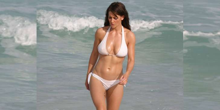 Get a flashback to Paul Sampson's ex-wife Kirsty Gallacher showing off her flawless and hot figure
