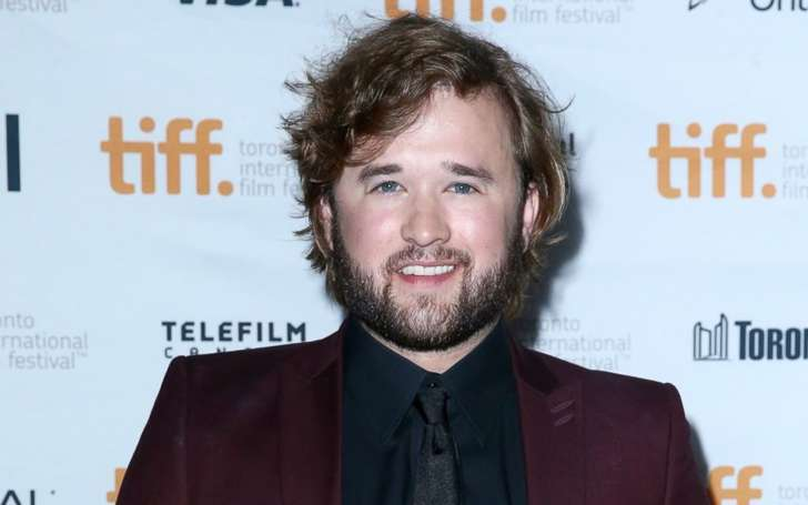 Ascertain the dating history & relationships about actress Emily Osment's brother Haley Osment