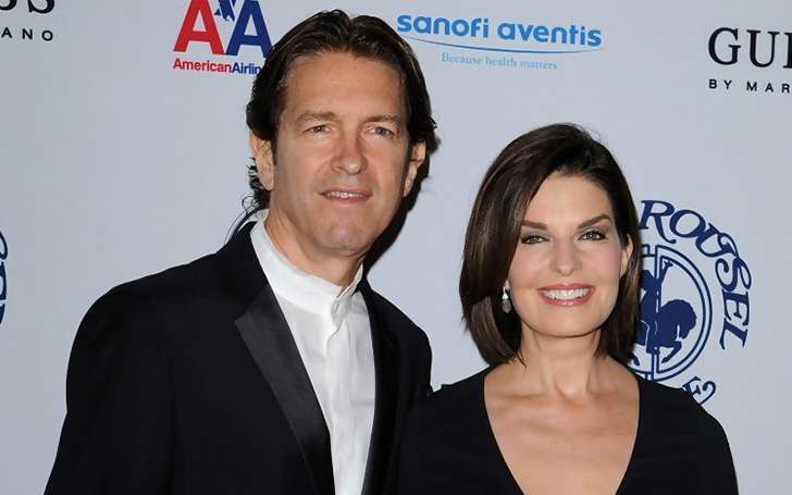 Highlight the happy married life of actress Sela Ward and her husband Howard Sherman