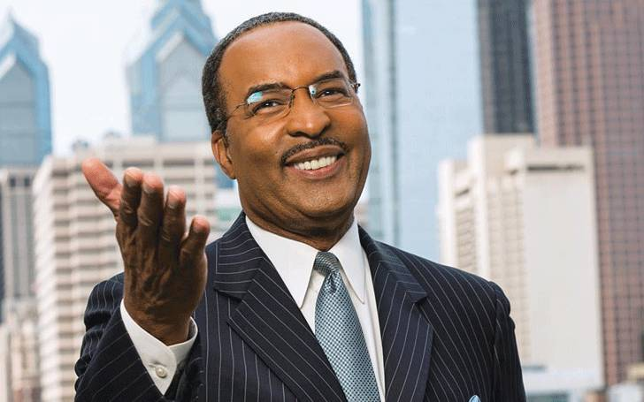 How much does Ukee Washington earn as a news anchor? Find out about his salary and career