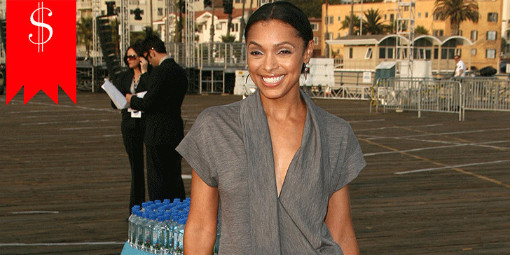 How much does TV actress  Tamara Taylor earn annually? Get to know about her salary and career