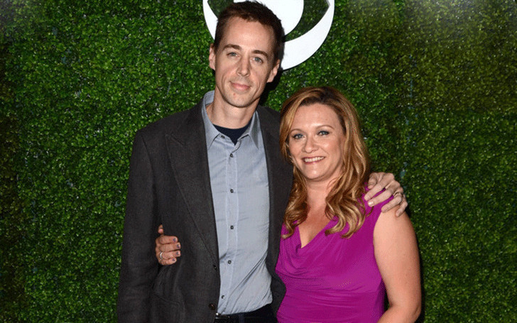 Know about the 14-years long married life of Carrie James and actor Sean Murray