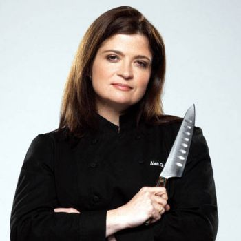 What is chef Alex Guarnaschelli's net worth? Get informed about her career and income sources