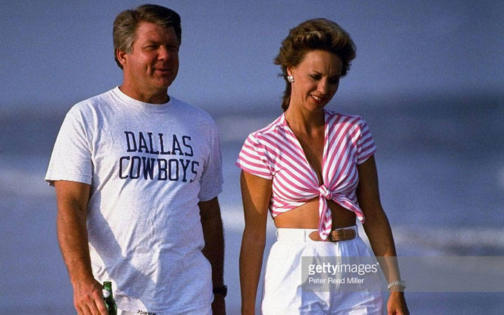 Rhonda Rookmaaker is Married to Jimmy Johnson since 1999. Know about their Married Life