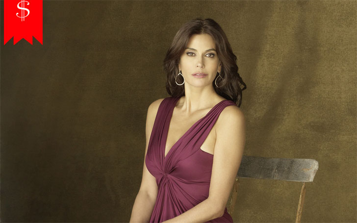Actress Teri Hatcher has a house in LA, California. Know about her net worth and income