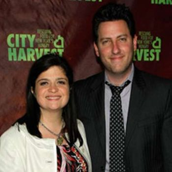 American Chef Alex Guarnaschelli is living a happy married life with her husband and children.