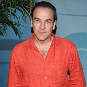 How much is Mandy Patinkin Net worth?Know about his Career and Awards