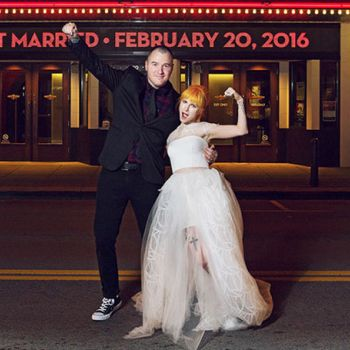 Singer Hayley Williams Married to Guratist Chad Gilbert in 2016. Know about her current Relationship