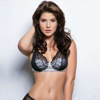 Amanda Cerny Single or Married, Is she dating? Who is her Boyfriend? Know about her Affairs!!