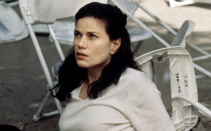 Is Actress Linda Fiorentino Living A Single Life Or She Has A Man In Her Life After Her First Divorce?