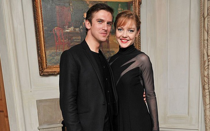 Dan Stevens from Downtown Abbey is a Married to Susie Hariet! Exclusive Details here