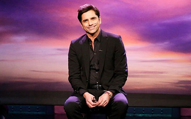 Does John Stamos'  Have a Wife? Or, is He Single? Find Out Stamos' Dating History