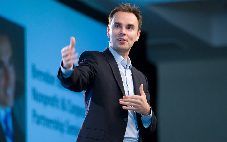 American Author Brendon Burchard Rumored to be Married,Know about his Affairs and Relations
