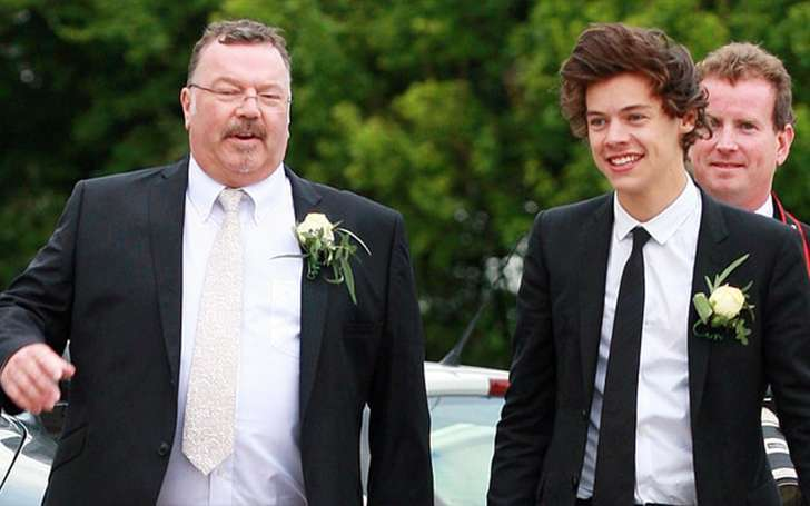 Harry Styles Step-Father Dies Battling Cancer. Nial, Louis, Nial and Directioners� sympathetic Tweets. Also, Deta