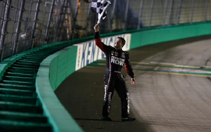 Martin Truex Jr. dominates Kentucky field to score third win of the year