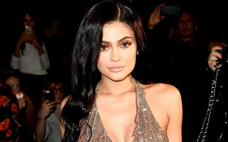 Kylie Jenner's Snapchat Account Hacked, Culprit Threatened To Release Her Nude Photos In Twitter