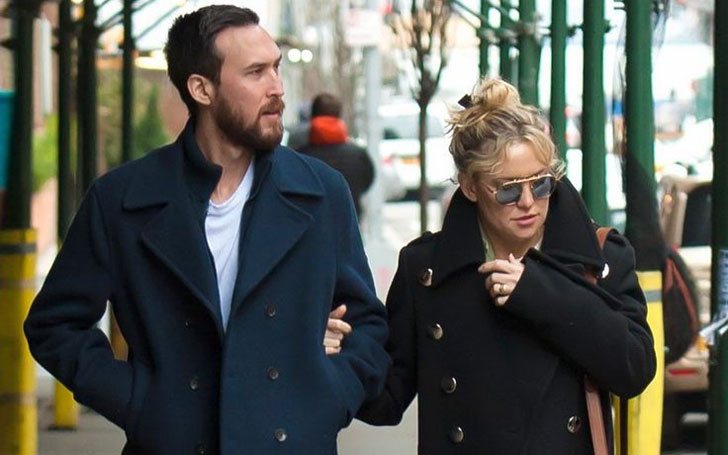 Kate Hudson goes for Lunch with her Boyfriend Danny Fujikawa in LA, Complete Details on all her Affairs!