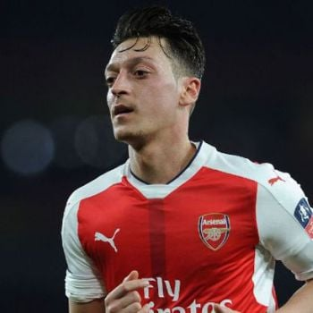 Arsenal Midfielder Mesut Ozil Hits Back at Club Legend To �Stop Talking And Start Supporting�