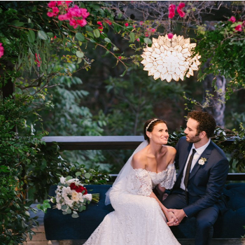 Voice of Elsa, Idina Menzel Marries Co-Star Aaron Lohr, See Her Wedding Pictures Here