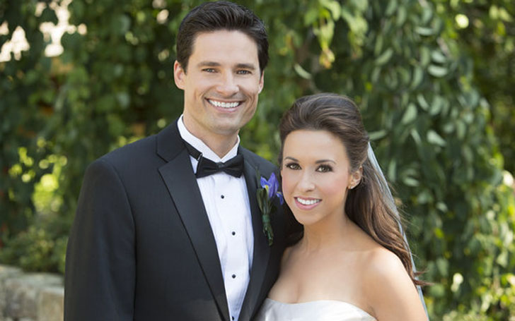 Is The Mean S Star Lacey Chabert Living Hily With Her Husband David Nehdar And Child