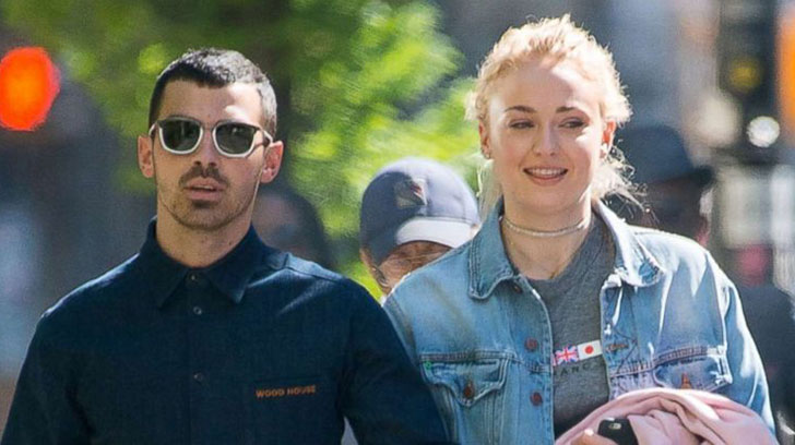 Joe Jonas and Sophie Turner Announced Engagement On Instagram