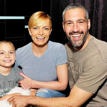 DOA star Jaime Pressly Welcomes Twin Boys With  Boyfriend Hamzi Hijazi-Details About Their Relationship!