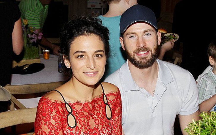 Chris Evans Back Together With Ex-Girlfriend Jenny Slate? Flirty Twitter Exchange and Day Outs-Photos!