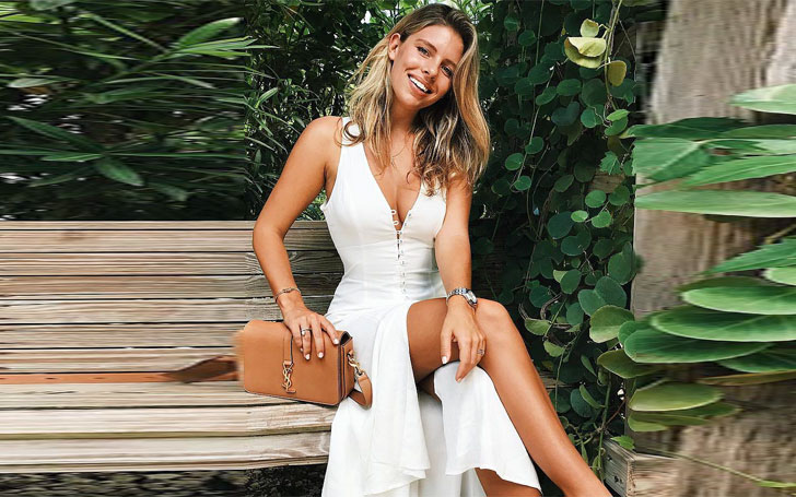 Bikini Model Natasha Oakley's Love Life-Details About Affairs ! Who Is She Dating Currently?