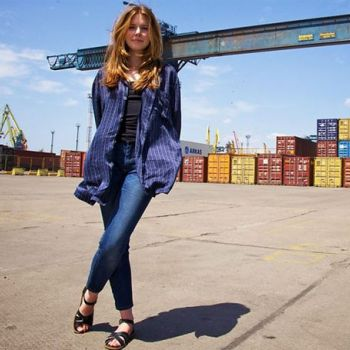 Find out what makes British Journalist Stacey Dooley Queen of Documentaries-Details of her Travel and Investigation