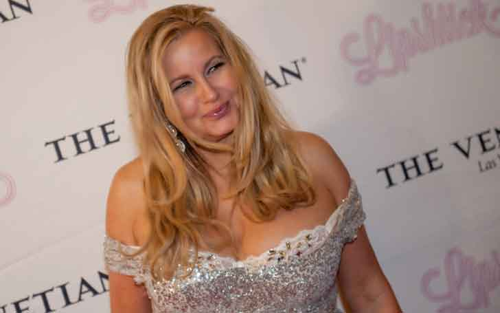 Is Jennifer Coolidge married Secretly with her partner