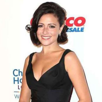 Canadian Actress Italia Ricci-How Much Is Her Net Worth? Details Of Her Sources of Income And Lifestyle