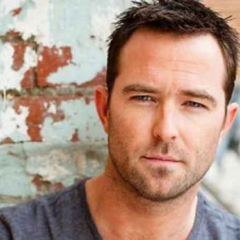 Is Blindspot Actor Sullivan Stapleton Dating? Denies Rumors Of Being In A Relationship With Co-star�Jaimie Alexander
